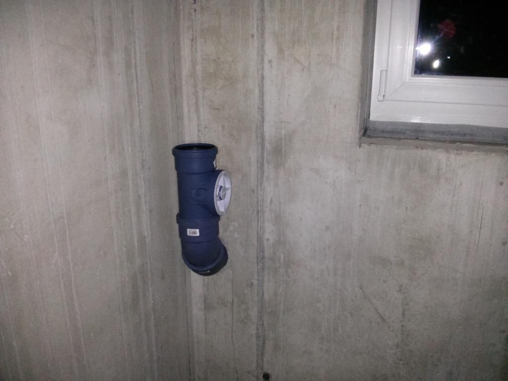 Dusche Im Keller Abwasser : Abwasserleitung im Keller mit R?ckstauklappe